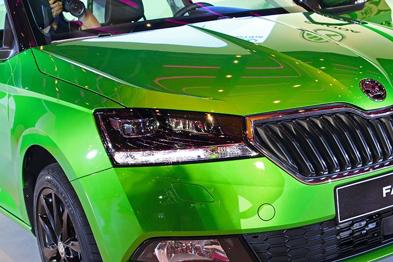 Fabia此次改款重點在外觀部分著重在車頭的水箱罩與燈組造型:水箱罩改為立體六角造型,再添加鍍鉻框後感覺更為動感霸氣。