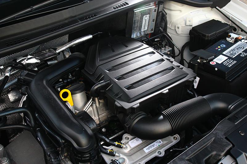 此次僅提供1.0升渦輪引擎單一選項,其動力表現足以應付多數路況,即便高速巡航也不會力不從心。