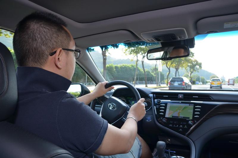 新車在平路表現上對於從路面回饋到車艙的路感變得更為清晰扎實
