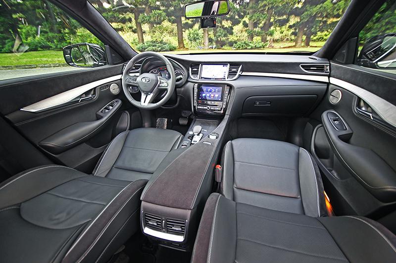 向來Infiniti都是最擅長打造美好車室的日系品牌,而且沒有之一,而QX50更將此優良傳統給發揮到淋漓盡致。