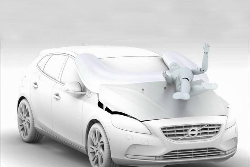 Volvo行人防護氣囊能降低行人遭撞擊時受傷程度。