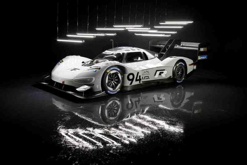 I.D. R Pikes Peak繼創下派克峰紀錄後,又獲得德國英國汽車雜誌年度最佳賽車獎。