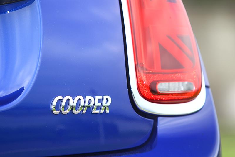 Cooper僅為Mini的普規動力版本,但動感度已經超過許多對手的輕性能車型。