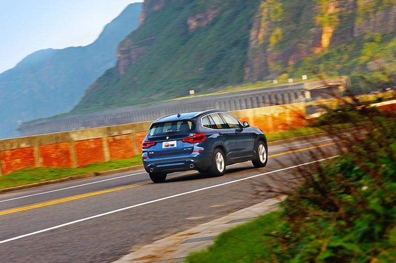 彎中不會因過快而產生明顯晃動反應,同時兼顧操駕樂趣與舒適。