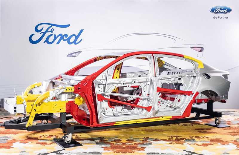 全新的C2平台與車架為新Focus更強的剛性。