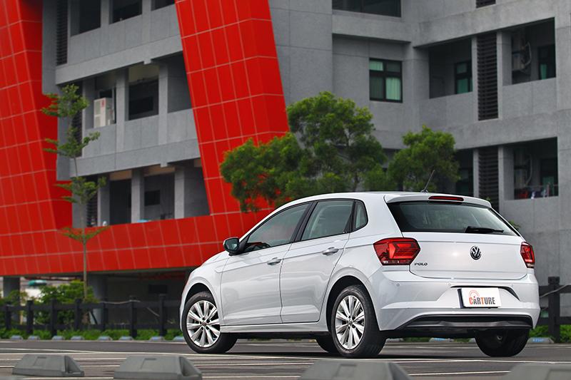 全新世代Polo於車長與車寬各自擴延為4,053mm與1,751mm,讓整體外觀更顯優雅大度。