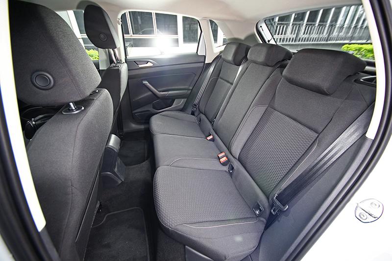拜MQB平台所賜,全新世代Polo擁有寬敞舒適的後座乘坐空間。