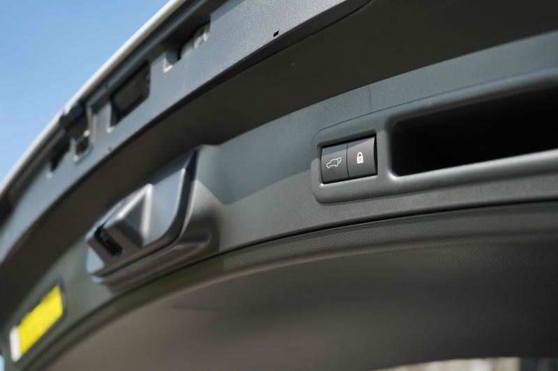 電動尾門亦升級為感應開啟款式