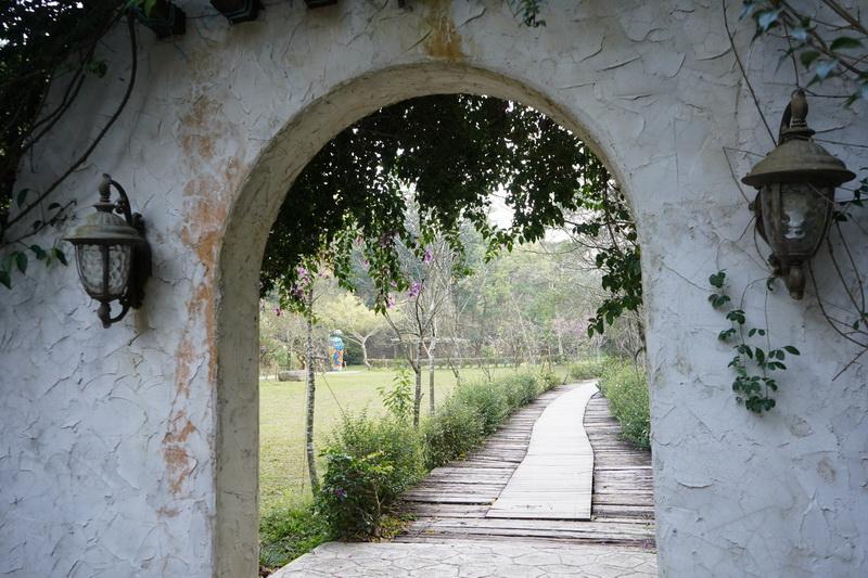 """""""山那邊 綠葉方舟""""景觀餐廳腹地廣大,一踏進園區便能感受到遠離塵囂的放鬆心情"""