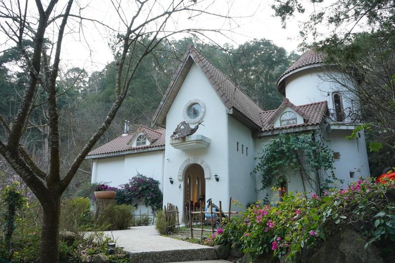 歐風特色的建築物點綴下,乍看之下彷彿來到國外莊園一般
