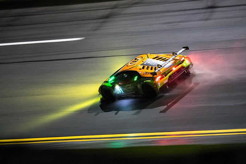 雨後重返賽道的Mirko Bortolotti再度上演精彩車技,向上晉升至第三排位。
