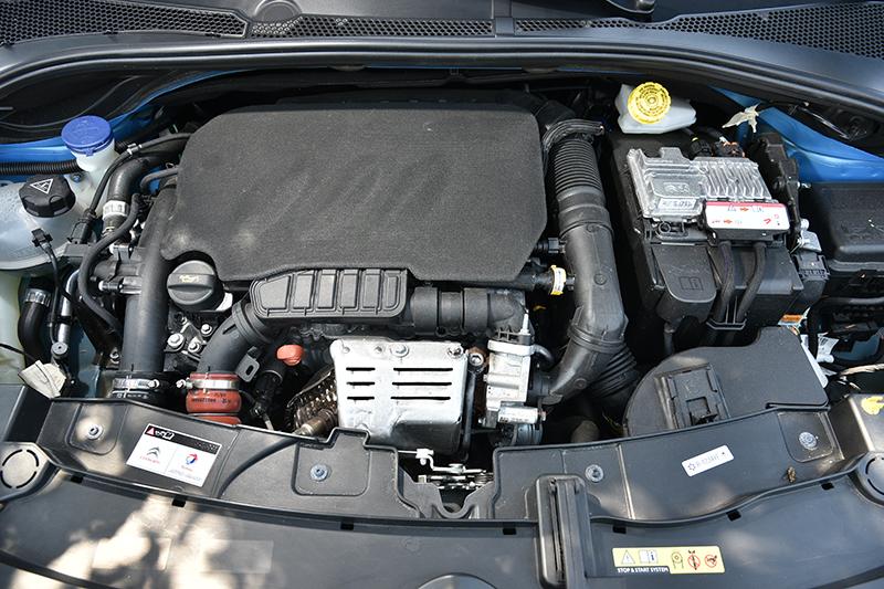 此具三缸引擎低速扭力充沛,怠速啟閉的震動感也十分輕微。