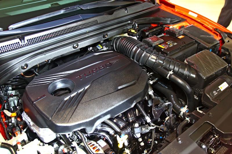 1.6升渦輪引擎擁有204hp最大馬力。