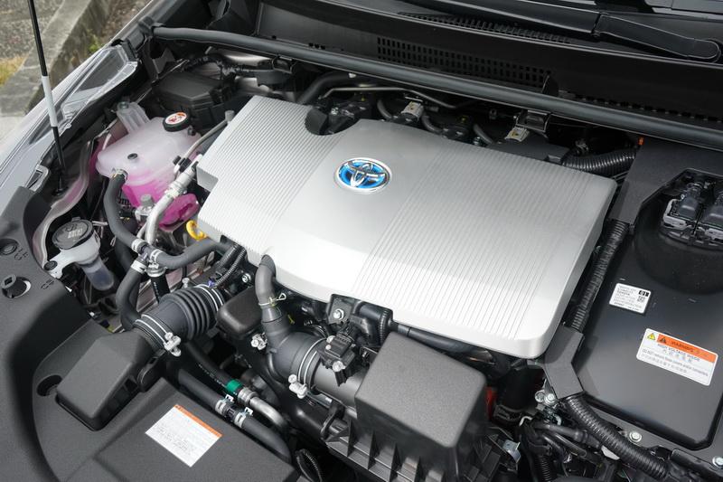 動力輸出同為1.8升自然進氣引擎+電動馬達+E-CVT變速箱