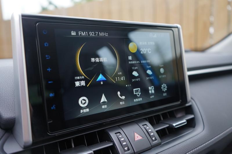 標配的「Toyota Drive+ Connect智聯車載系統」相當聰明好用