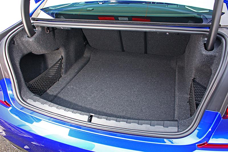 480升的行李廂容積恰如其分,已足夠放置多數行李或物件。