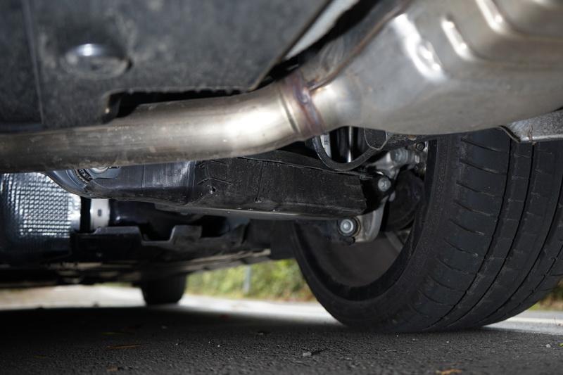 獨立多連桿底盤替CLS帶來不錯的操駕性能與行路舒適性