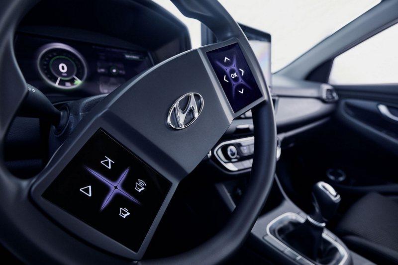 Hyundai計劃將方向盤按鍵改為觸控。