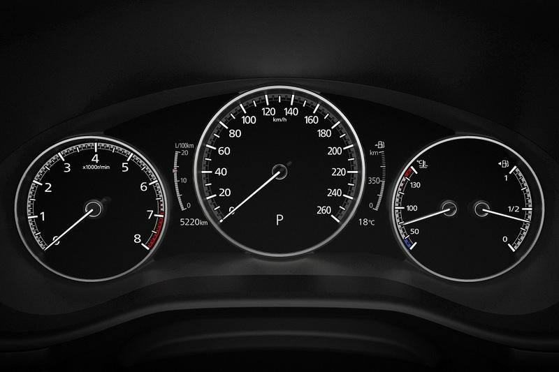 全車系標配7吋數位儀表。