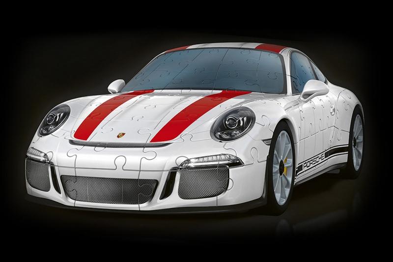 目前Ravensburger有推出Volkswagen T1與Porsche,911 R 3D立體版的汽車拼圖。