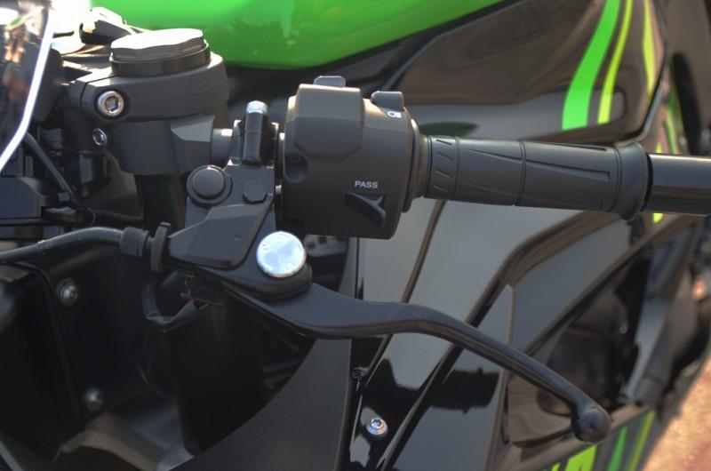 本次改款將離合器拉桿新增五段可調整功能,騎士更容易找到適合自已的操作位置。