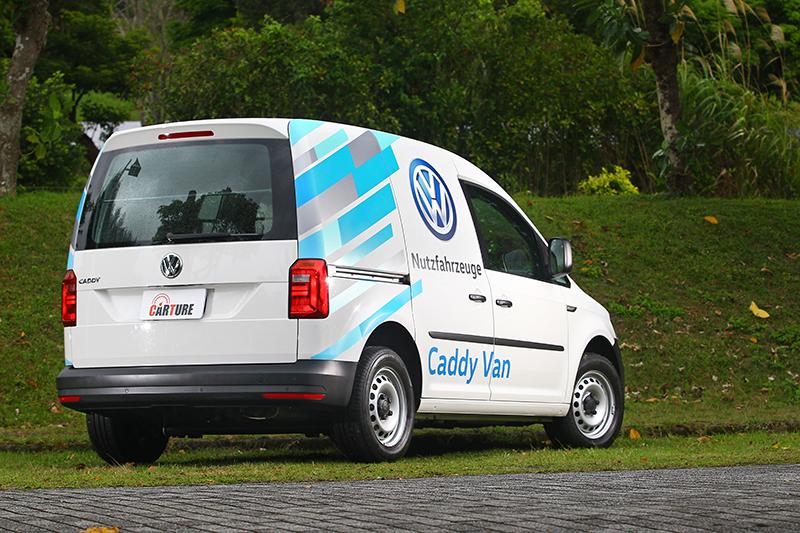 Caddy Van配置的是上掀式尾門,取貨休閒都更方便。