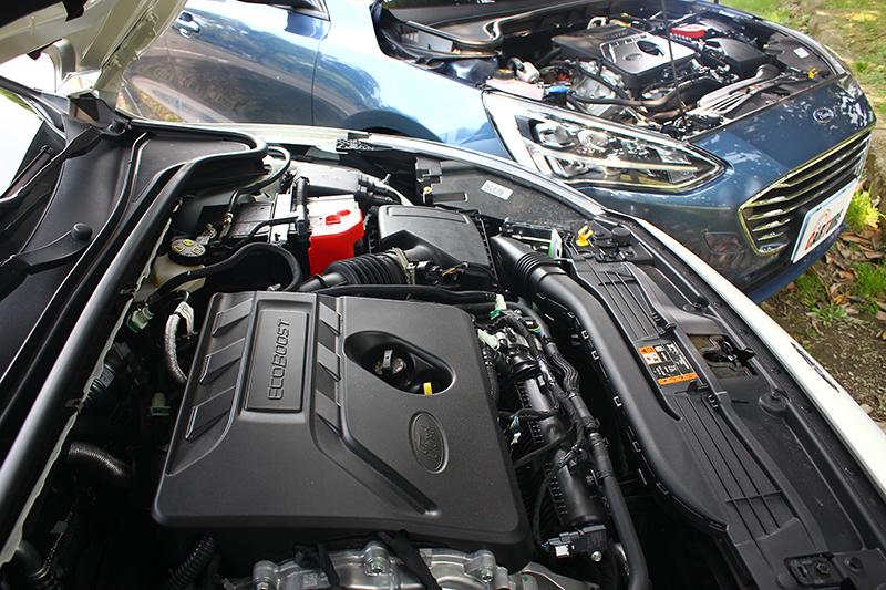 具備VDE汽缸間歇技術的1.5升渦輪增壓引擎,可輸出182ps與24.5kg-m最大動力。