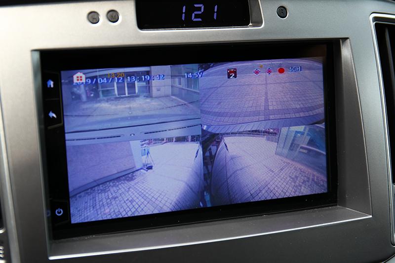 對於駕駛大尺碼車型,四路行車視野輔助可是相當實用便利的配備。