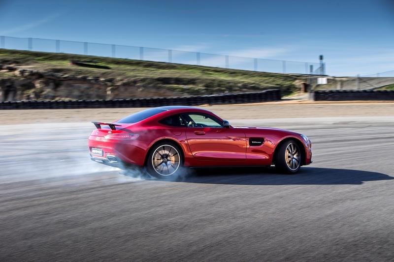 雖然搭載4Matic系統,但仍有提供飄移模式享受後驅的駕駛樂趣。