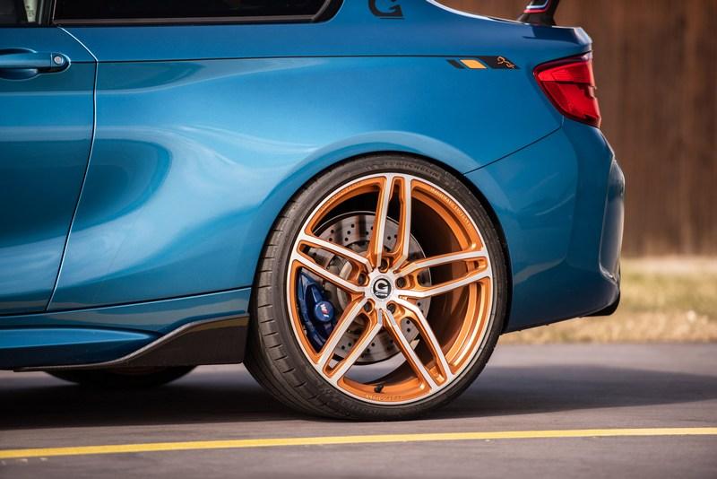圈胎也換上前245/30 R20、後285/25 R20鍛造規格。