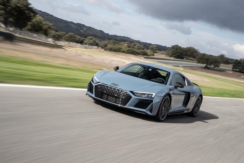 Audi R8 Performance(5.2升V10引擎620hp/59.1kgm)