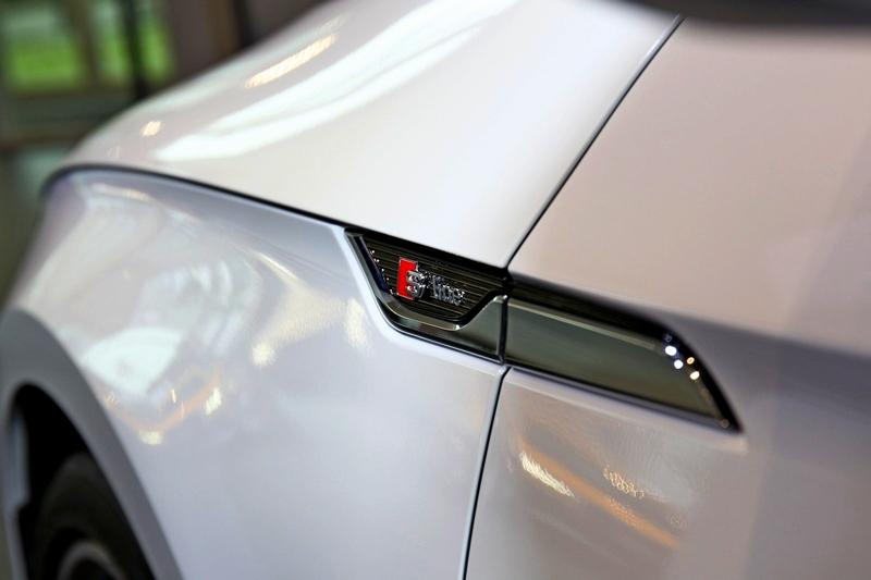 A5 Sportback除升級安全配備外,亦配置S line外觀套件。