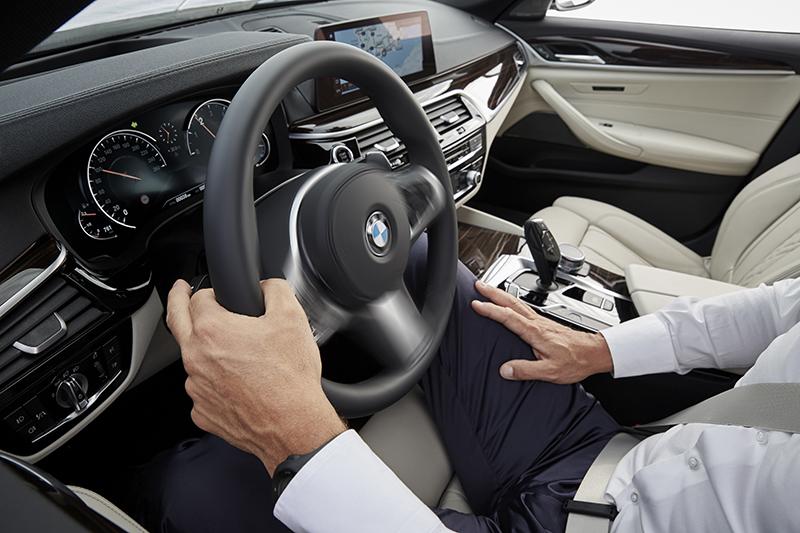 近年來越見普及的駕駛輔助系統甚至是半自動駕駛,也成了不少消費者提前換車的理由。