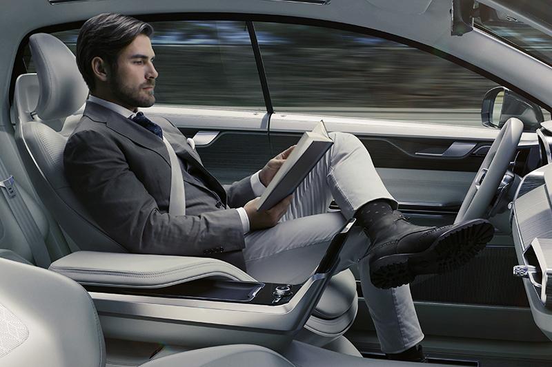 隨著自動駕駛技術諸多進展,倘若法規跟得上,或許也可期待在可見的未來,締造新的一波汽車銷售高潮。