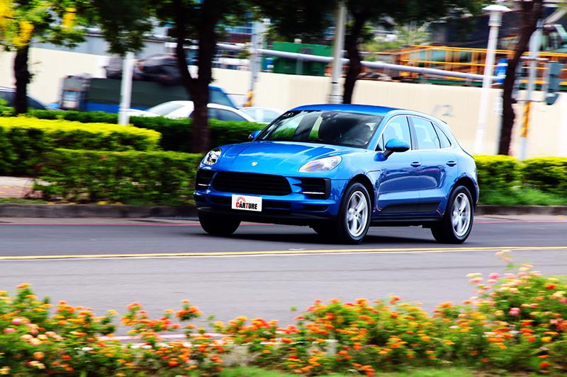 懸吊微調路感變得明顯些,試駕車配的韓系胎操控手感較歐系胎粗糙,特性需要重新適應。
