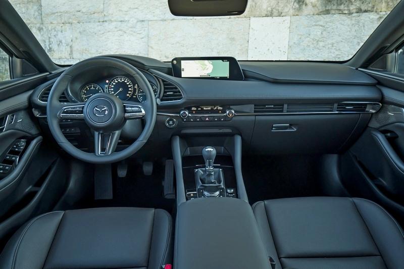 Mazda 3座艙換上全新設計,擁有更高級簡約感受。