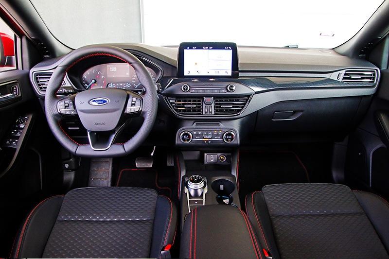 Focus座艙也具有一定水準,且配備方面相當豐富。