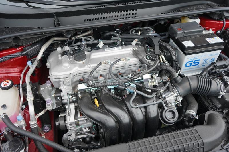 汽油版採用的是1.8升自然進氣引擎搭配傳統的CVT變速箱