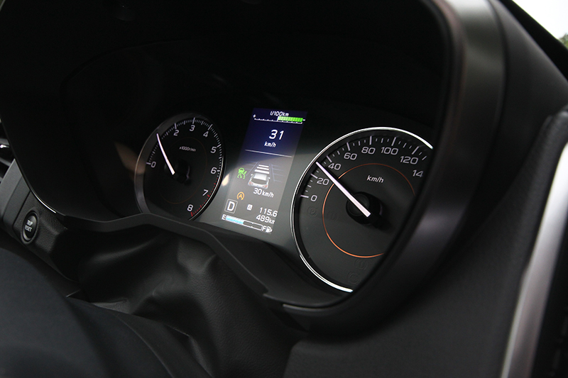 靜止時即可設定的ACC主動式定速巡航控制系統(30-180km/h為可設定速域區間),並於0-180km/h全速域皆可作動。