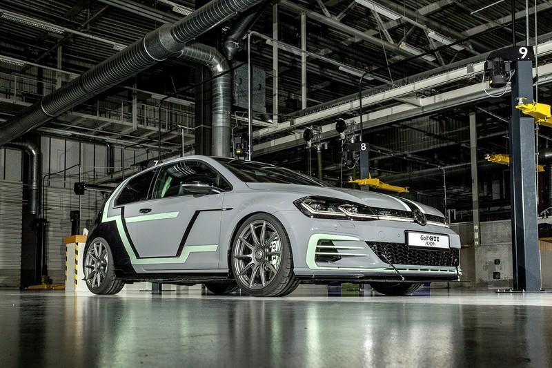 Golf GTI Aurora是由Volkswagen培訓學校學生作品。