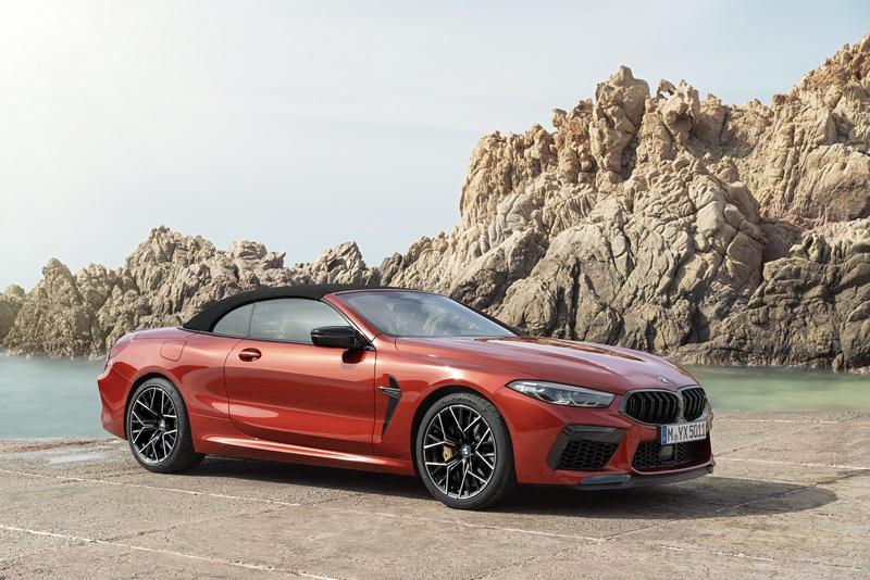 從M5所搭載的4.4升V8 M TwinPower Turbo渦輪引擎來看,似乎也能大致猜到M8動力規格,而日前BMW公佈M8 Coupe/Convertible資訊,果然M8其動力有著600hp/76.5kgm最大動力,而在此強大性能推動0~100km/h加速只要3.3秒,Convertible為3.4秒,至於動力更強悍的Competition車型則將馬力提升至625hp,這也讓Coupe Co