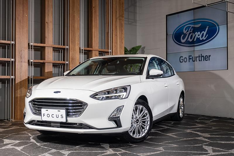 面對有更多對手即將到來,Ford日前決定升級推出全新Focus EcoBoost®182 17TSR,導入TSR道路標誌識別輔助系統與17吋胎圈組,強化競爭力。