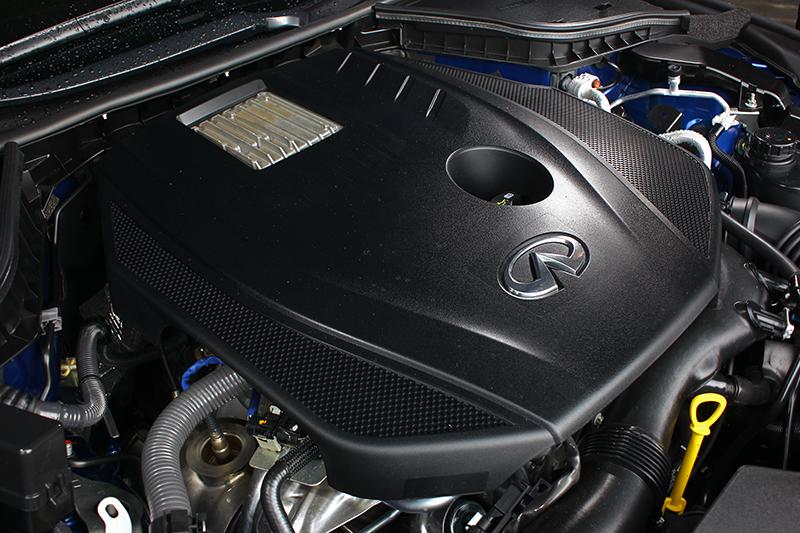 2.0升渦輪引擎提供208hp/35.7kgm輸出表現。