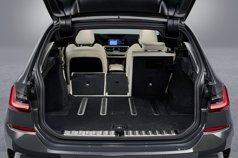 標準情況下有著500公升容積,若後座倒放後則可擴增至1510公升。
