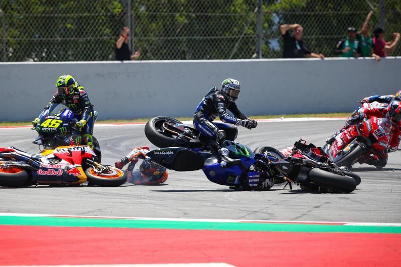 Lorenzo果然在本站讓人驚艷,不過不是展現奪冠實力,而是將有奪冠機會的車手鏟出去。