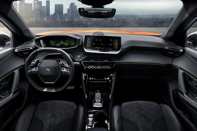 i-Cockpit座艙設計、智慧手機串連、數為儀表與半自動駕駛輔助科技等,都搭載於新世代2008車上,