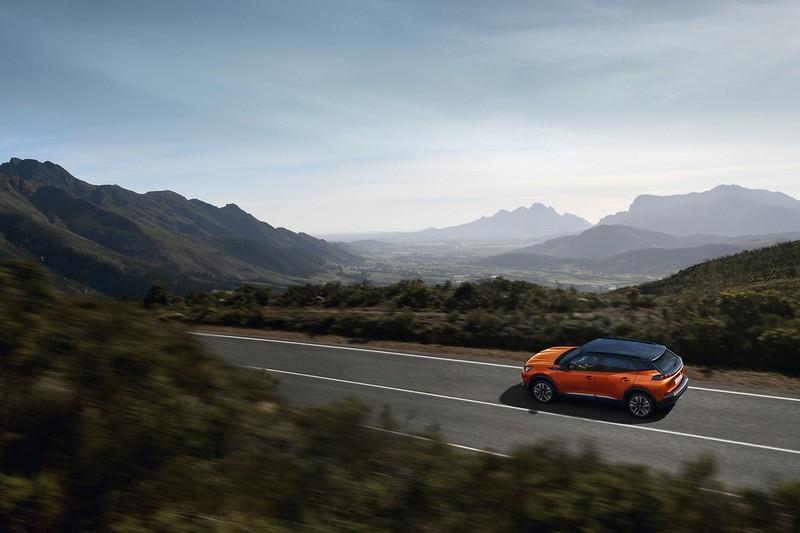 2008提供三種1.2升三缸汽油引擎與兩種1.5升柴油引擎動力。