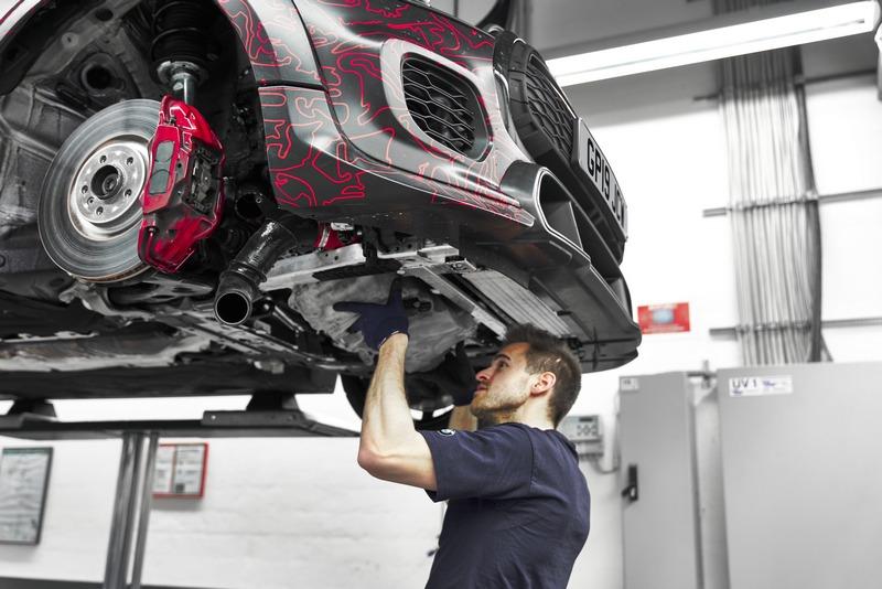 下氣壩與擾流及煞車系統都一併進行升及強化。
