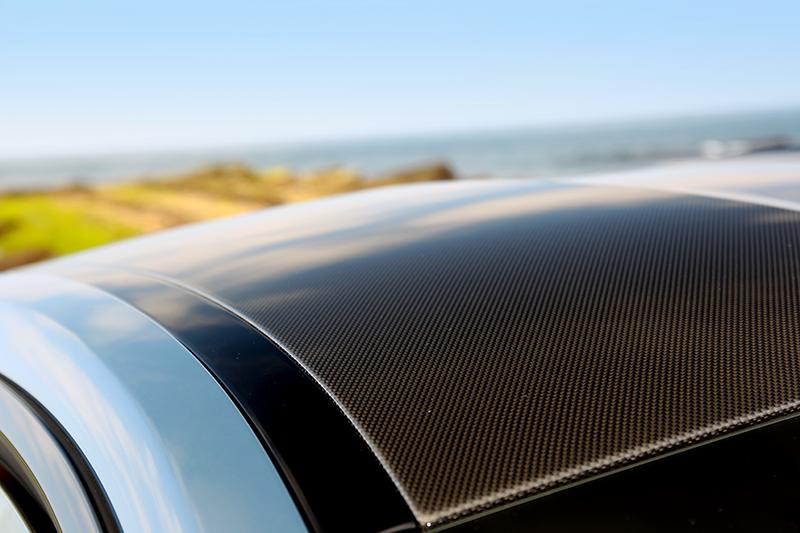 碳纖維車體提供無可取代的紮實回饋感受。
