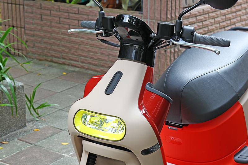Gogoro 3車頭造型初看頗讓人震驚,更有不少網友對它有許多形容詞。